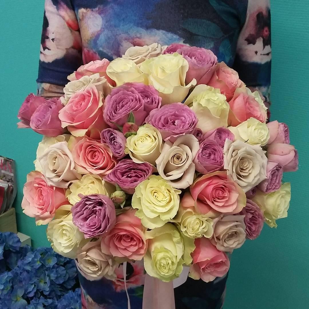 Всем отличной пятницы! Букеты в наличии и на заказ. Принимаем заказы на 14 февраля. Спешите за самым самым.???? Ул. Ветошникова д.131. ☎(347)266-59-77 ????+7 927 236 59 77. Сайт www.bloomboom.ru#flowers#доставкацветовуфа#цветыуфа#цветы#уфа