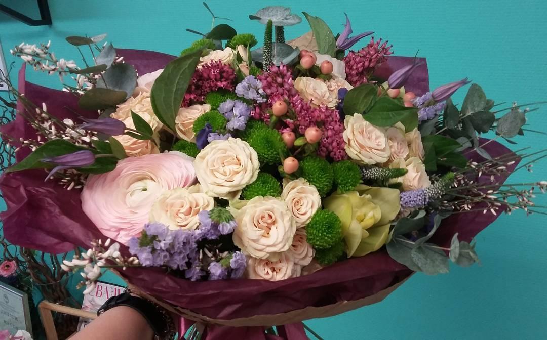 Праздник близится, букеты на любой вкус и бюджет. Спешите заказать букет вашей мечты???? Ул. Ветошникова д.131. ☎(347)266-59-77 ????+7 927 236 59 77. Сайт www.bloomboom.ru#flowers#доставкацветовуфа#цветыуфа#цветы#уфа